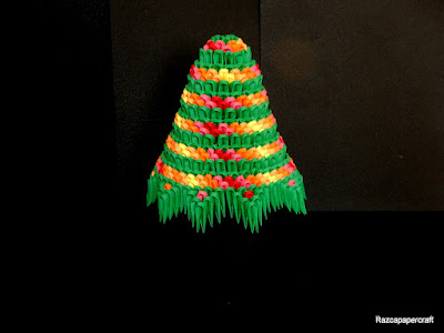3D origami Christmas tree made from 3d origami pieces