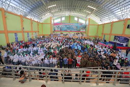 Sukseskan Program Pendidikan, Ibas Bantu Komputer Bagi Sekolah Ngawi