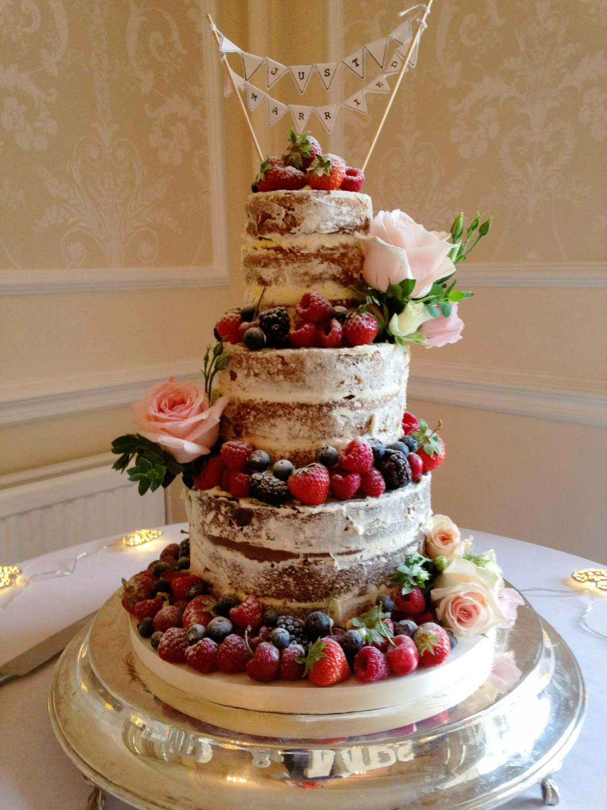 the vanilla pod bakery fabulous june wedding 39 s starring the mary berry wedding cake