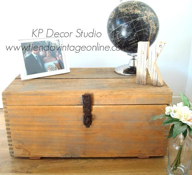 baúles y cajas de madera antiguos para decoración vintage estilo escandinavo