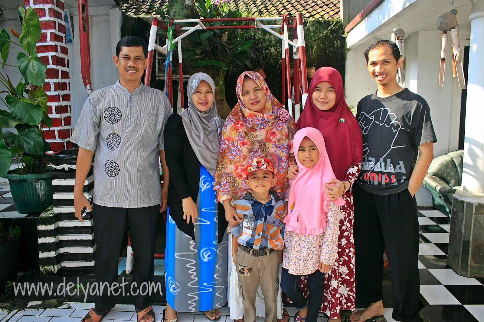 Widya's Family Farewell Moment