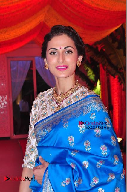 Actress Model Shilpa Reddy Exclusive Stills in Blue Saree at Vijay Karan Aashna Wedding  0002.JPG