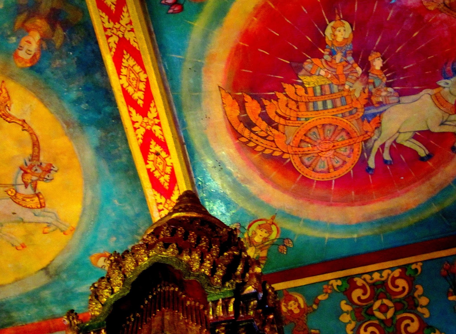 wat phnom a photo essay from la dame darling from buddhist mythology such as from the reamker the khmer version of the ra ana i reveled in the paintings of gods goddesses elephants and men