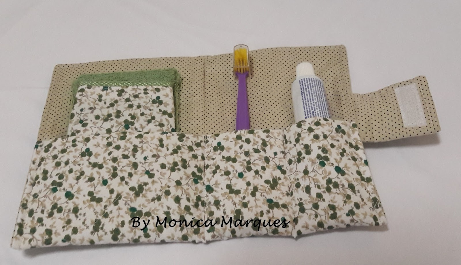 Aparador Preto Para Sala ~ Monica Marques artesanato em tecido, fios e afins Carteira kit higiene bucal