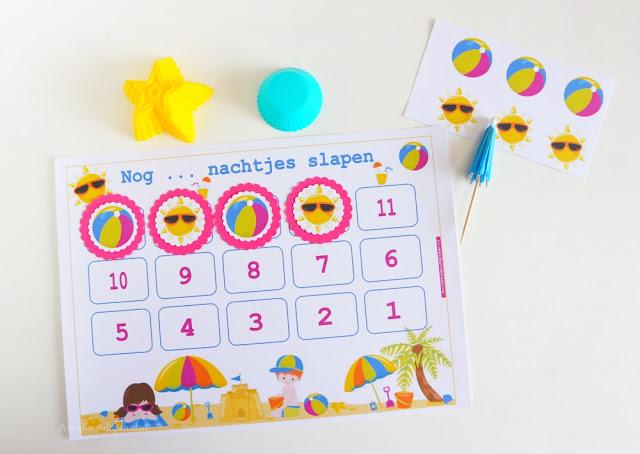 gratis printable aftelkalender, vakantie aftelkalender voor kinderen, kids aftelkalender, aftellen naar de vakantie, aftellen met kalender, strand aftelkalender, kalender voor kinderen, vrolijke kalender, gratis printable strand