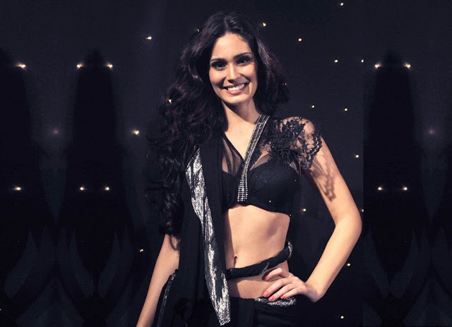bruna-abdullah-fashion-show-pic