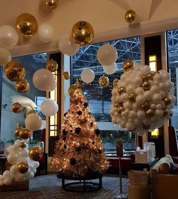 Ide Dekorasi Natal Minimalis, Elegan & Mewah Dengan Balon ORBZ / Foil ORBZ