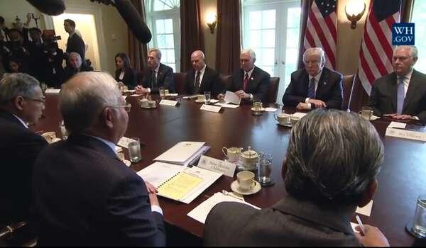 [Video] Pernyataan oleh Presiden Trump dan Perdana Menteri Najib Abdul Razak Perdana Menteri Malaysia Sebelum Mesyuarat Bilateral