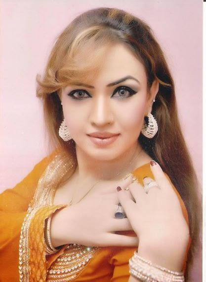 Pakistani Hot Mujra Indian Desi Girl Live Grama Gram -1324