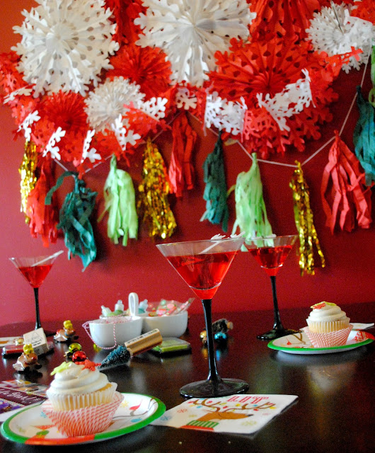 Easy decor for a girls night cards and cocktails night. See more at FizzyParty.com