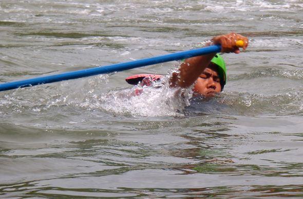 Aggressive swimming position