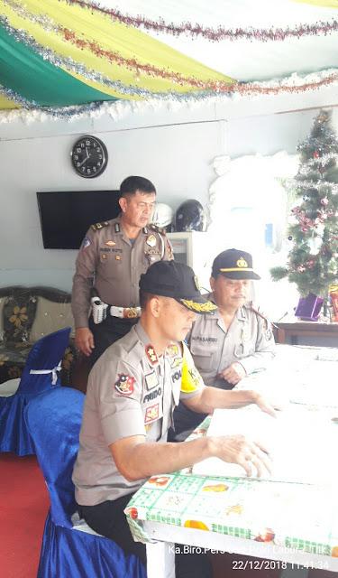 Kapolres Labuhanbatu AKBP Frido Situmorang, SIK mengecek kesiapsiagaan Pos Pam Aek Kanopan.