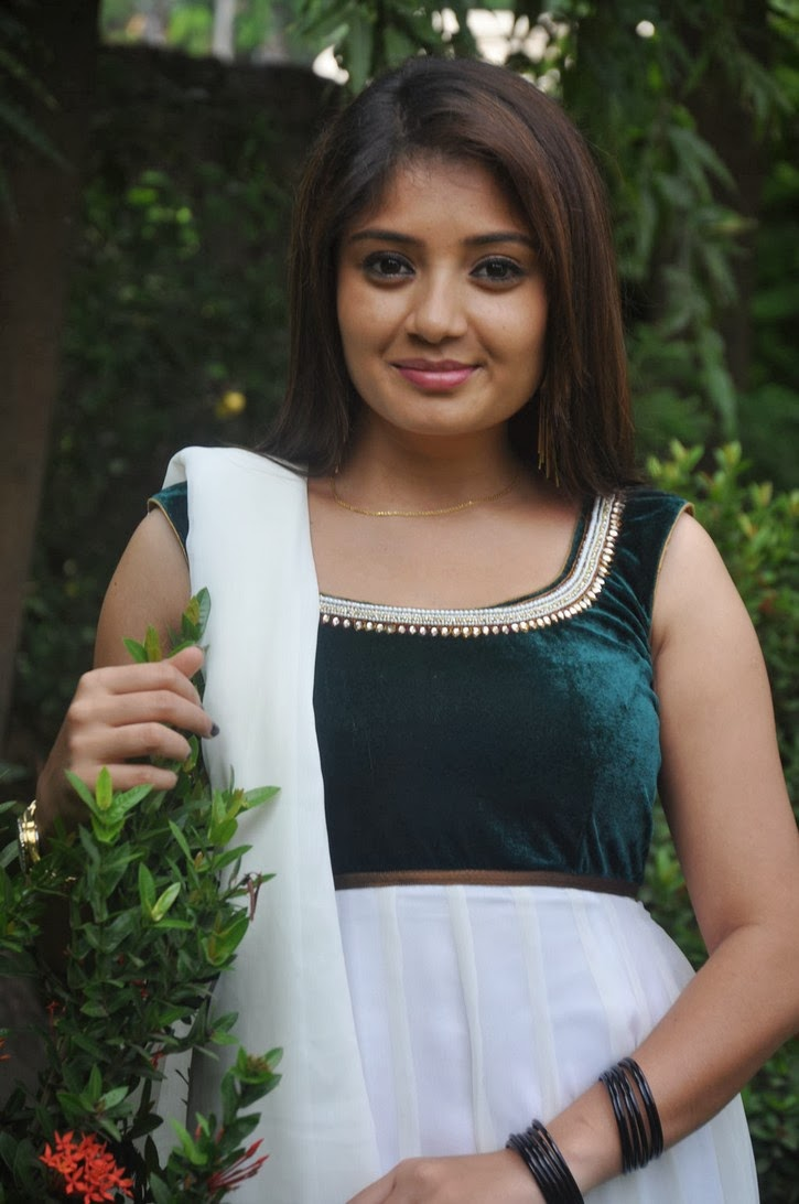kannada hot actress Karunya photos in salwar kameez