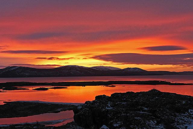 immagine tramonto del parco nazionale di Pingvellir