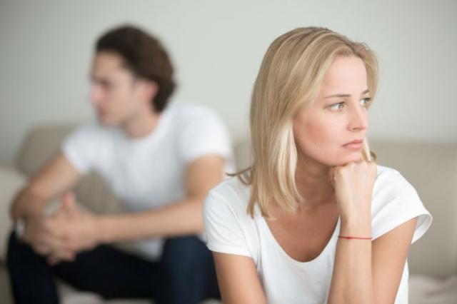 Όταν ο άντρας παριστάνει ότι σε θέλει, αλλά δεν το εννοεί...