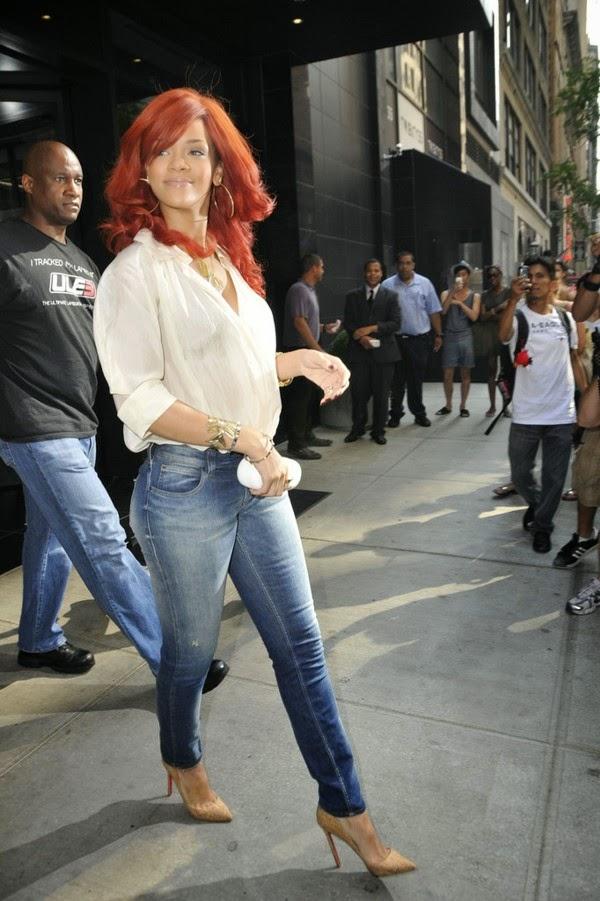 O bom e velho combo: Jeans com camisa branca