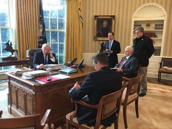 Президентите Путин и Тръмп установяват първи диалог по телефона