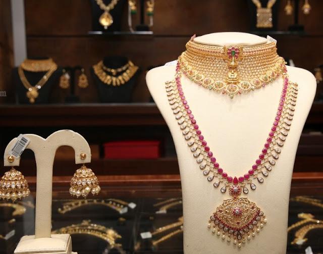 Uncut and Polki Diamond Sets by Malabargold