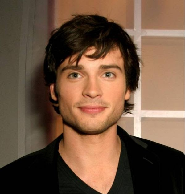 The gallery for --> Tom Welling 2002