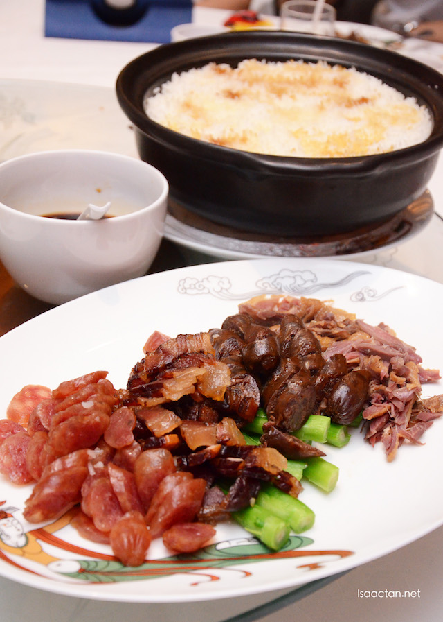 Clay Pot Waxed Meat Rice
