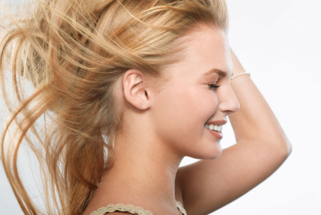 how to lighten your hair naturally