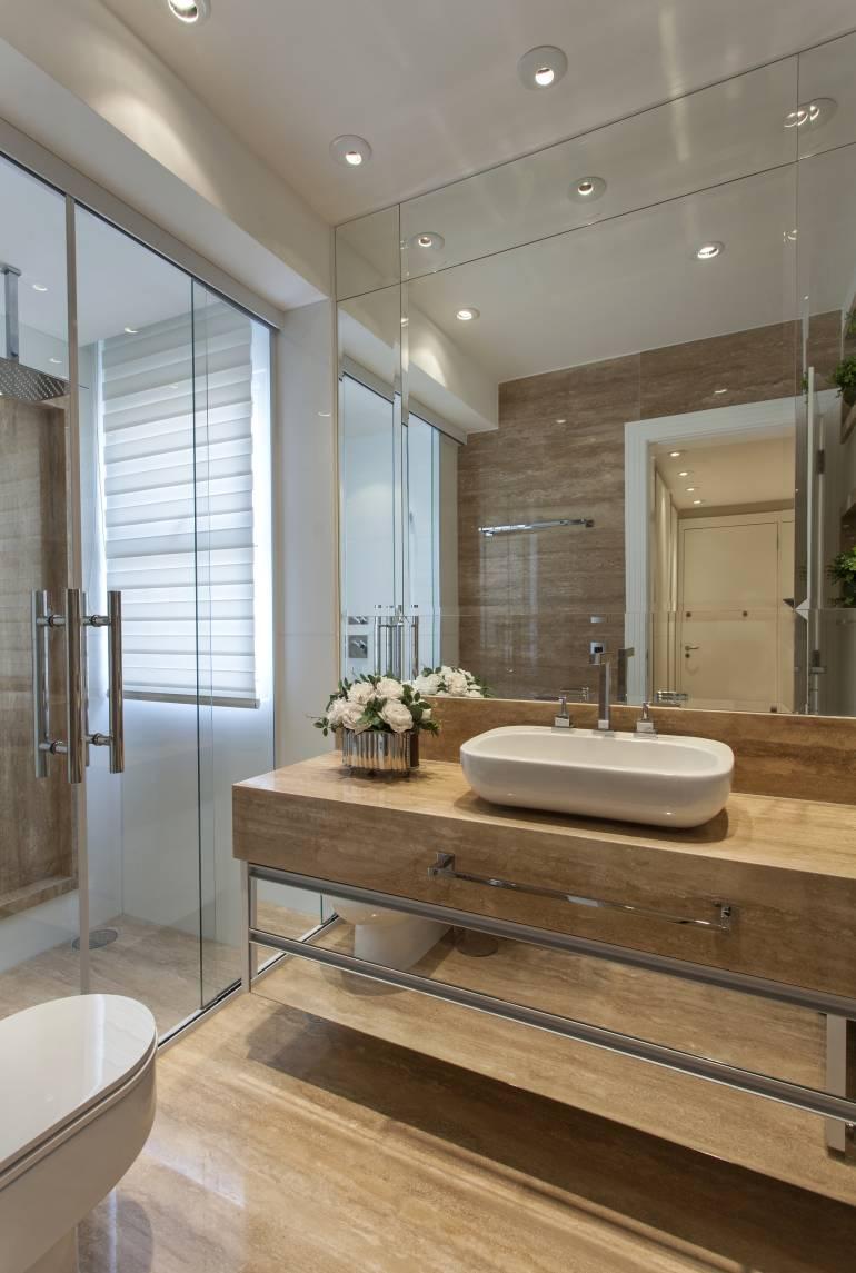 10 Banheiros decorados com espelhos  veja dicas e ambientes maravilhosos!   -> Pia Banheiro Profundidade