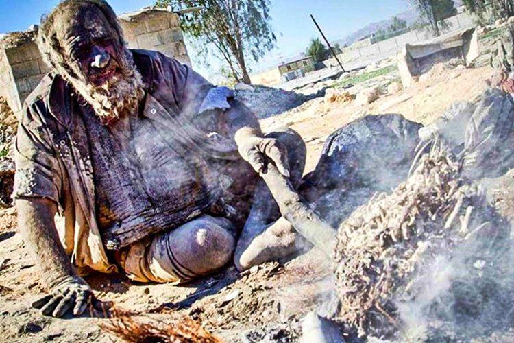 Amoo Hadji dünyanın en pis insanı, yarım asırdan fazla süredir yıkanmıyor.