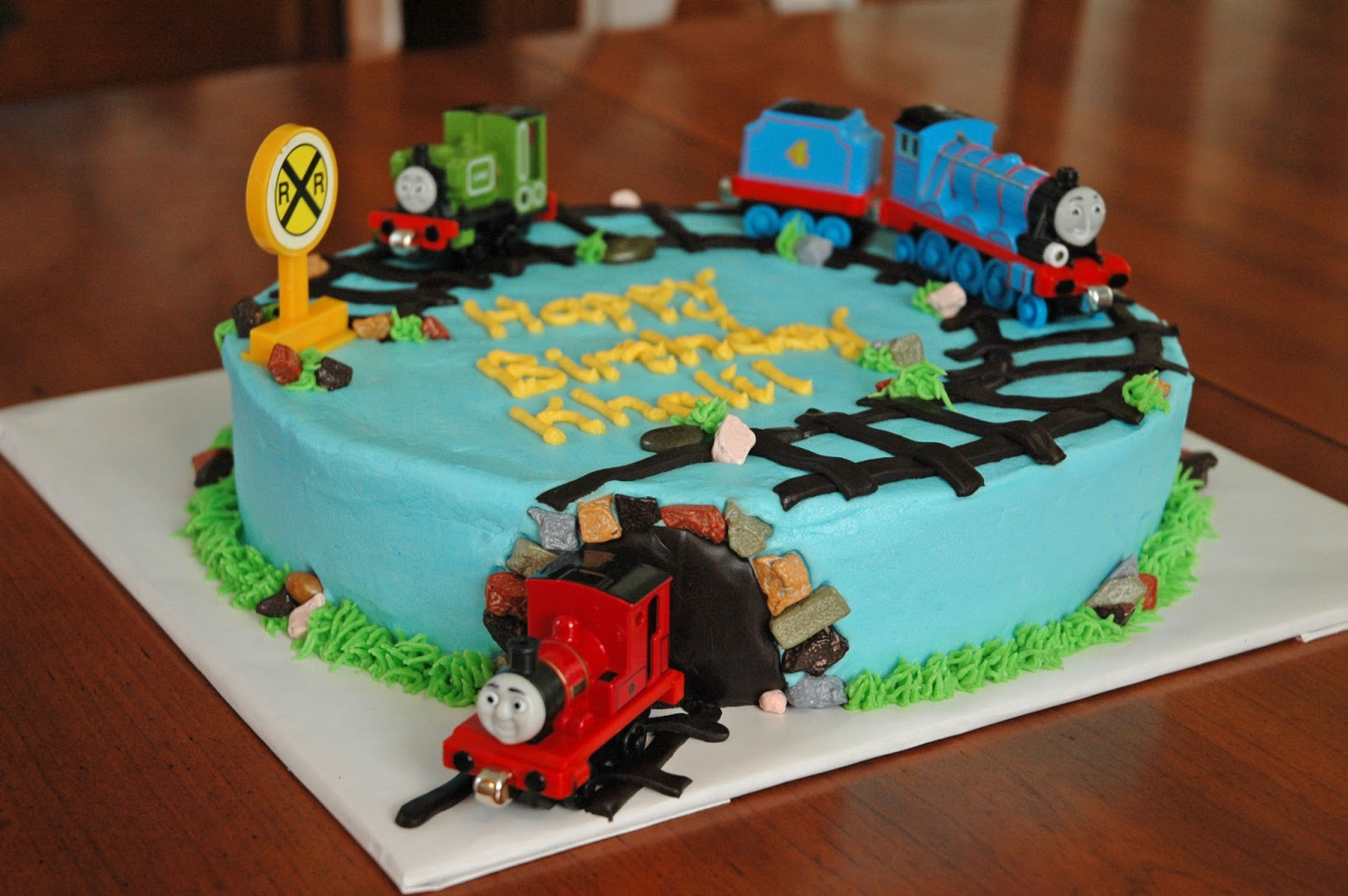 How To Make A Thomas Birthday Cake