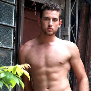 Luan Olescowc, Mister Joinville 2019, posa para ensaio sensual