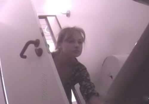 Voyeur-Russian WC 120716-31 (Girls pissing on toilet and pissing toilet camera)