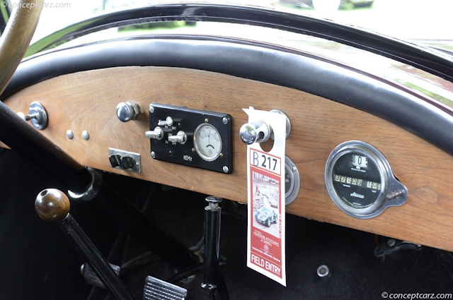 1919 Auburn Beauty-Six dashboard