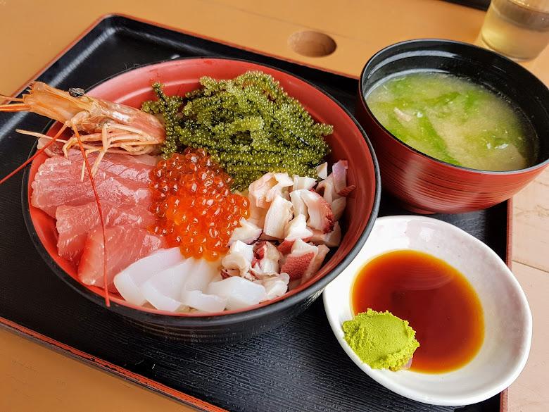 招牌海人丼,多久食料令人滿足