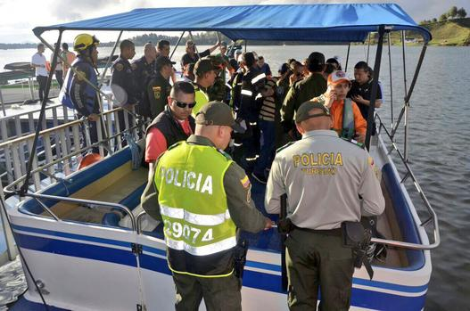 9 dead as tourist boat capsizes in Colombia