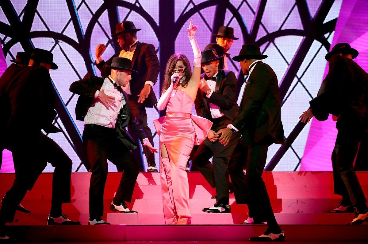 كاميلا كابيو كانت أميرة أثناء أداء أغنية هافاناHavana