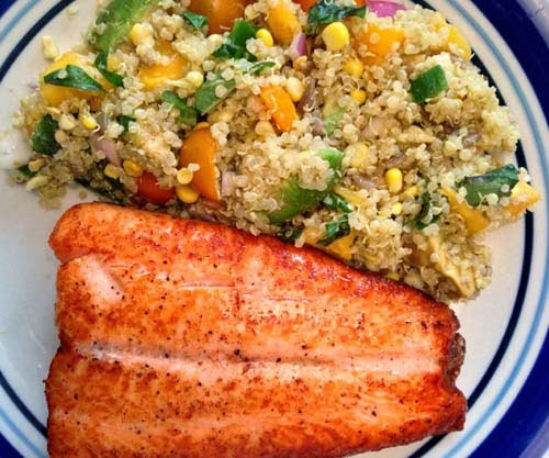 Delicious Salmon and #Quinoa Mango Salad