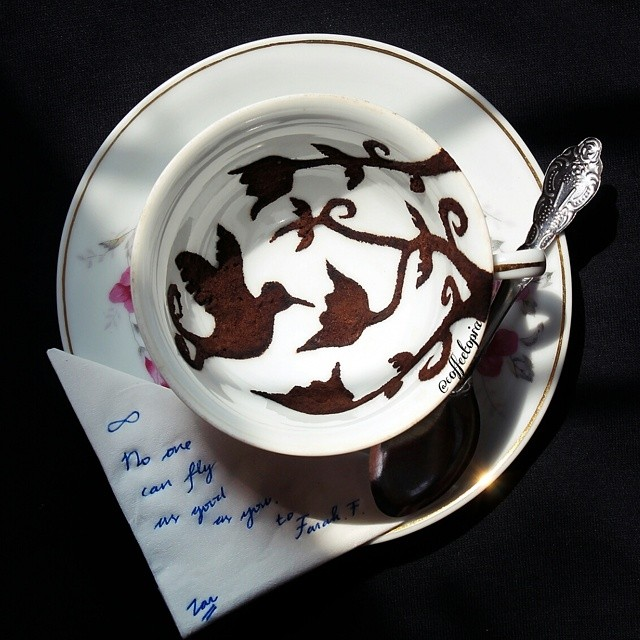 10-Ghidaq-al-Nizar-Coffee-Art-taking-part-in-Coffeetopia-www-designstack-co