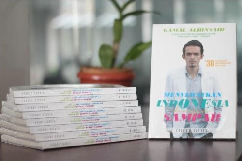Cover Buku dr. Gamal Albinsaid - Menyehatkan Indonesia dengan Sampah