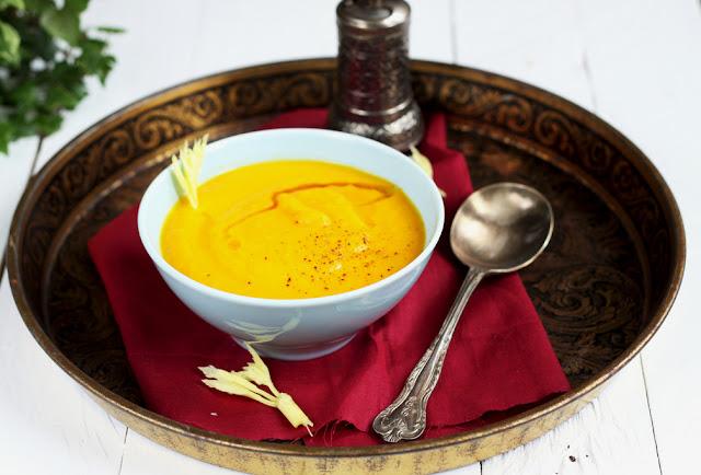 zupa marchewkowa z selerem naciowym, libańska zupa marchewkowa, kuchnia libańska,