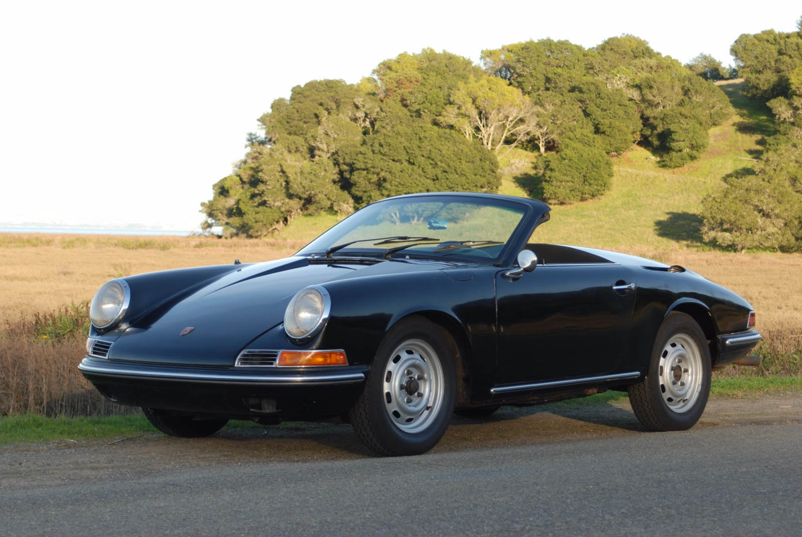 This 1965 Porsche 911 Speedster Strikes A Very Different