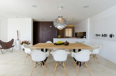 meja makan kayu modern
