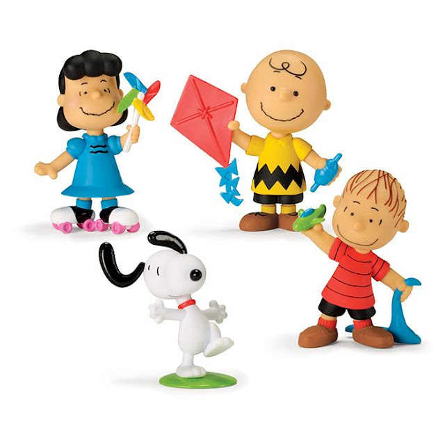 Peanuts Snoopy and Gang Dolls - Avon