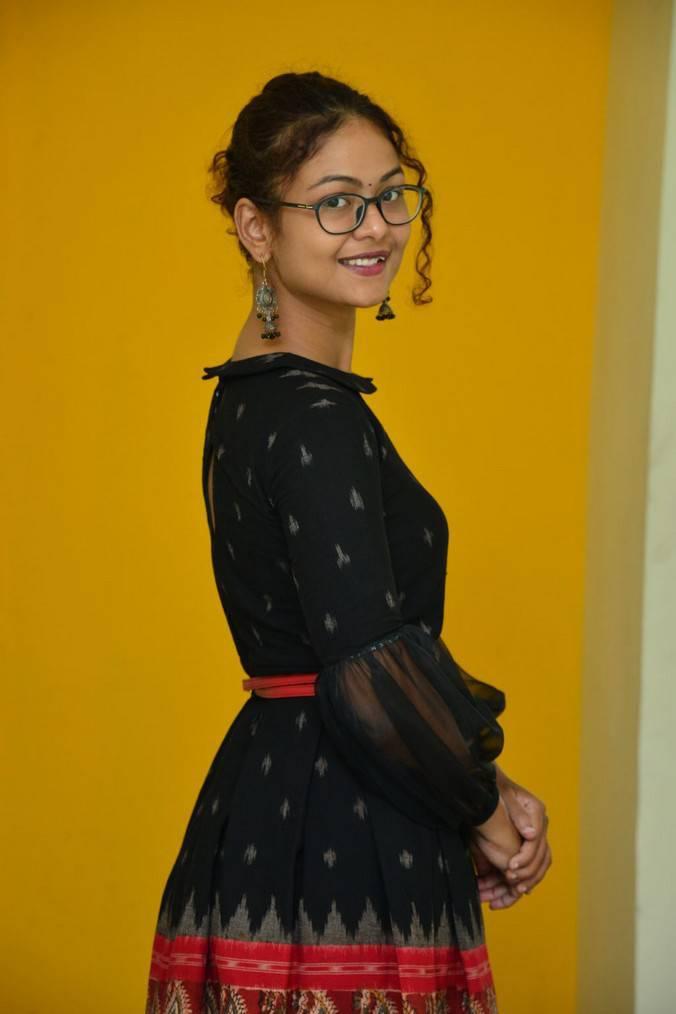 Beautiful Hyderabadi Girl Aditi Myakal Photo Shoot In Mini Black Skirt