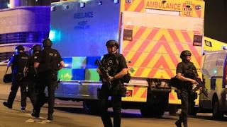 19 νεκροί μετά από εκρήξεις σε συναυλία στο Manchester Arena.