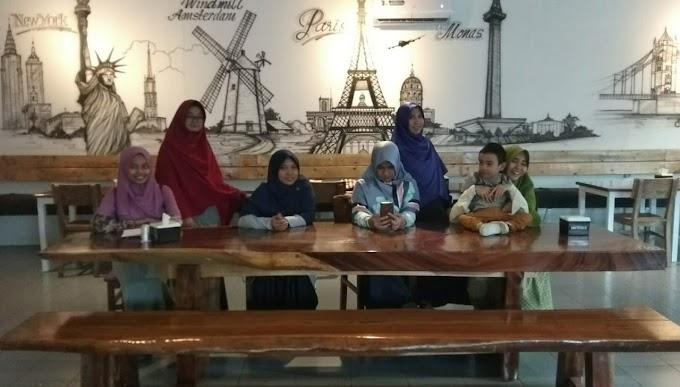 Durcoff Cafe: Sajikan Menu dan Suasana Menyenangkan