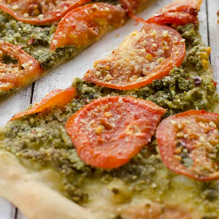 Vegan Pesto and Roasted Tomato Pizza #bettereats #healthyrecipes