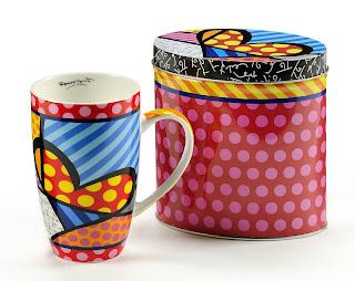 https://www.horizoncolors.com/mugs-tasses/525-mug-coeur-et-boite-en-fer-decores-britto.html