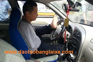 người khuyết tật thi bằng lái xe số tự động b1