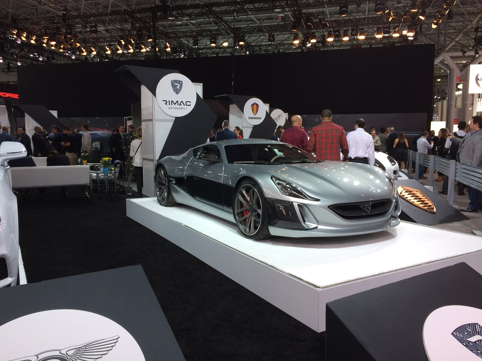 The Jersey Momma The New York International Auto Show Rocks And - Car show nyc