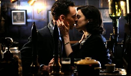 the-deep-blue-sea-tom-hiddleston-rachel-weisz-kiss