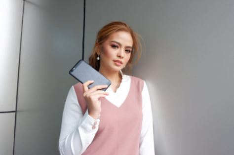 'Baka mamaya yung mga fans ng JaDine sabihin nangengealam ako.' Bea Binene Has Something To Say About Live-In Relationships